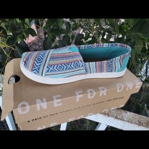 TOMS CLASSIC MULTI TRIBAL WOVEN YOUTH 3 new in box